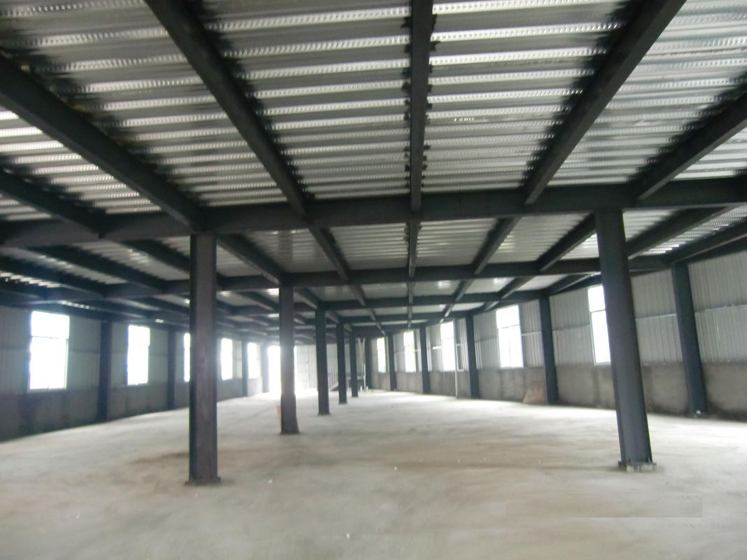 High Strength Garage Steel Frame With Colored Steel Sheet And Frp Lighting Tiles